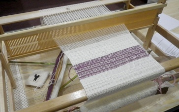 rigid-heddle-loom
